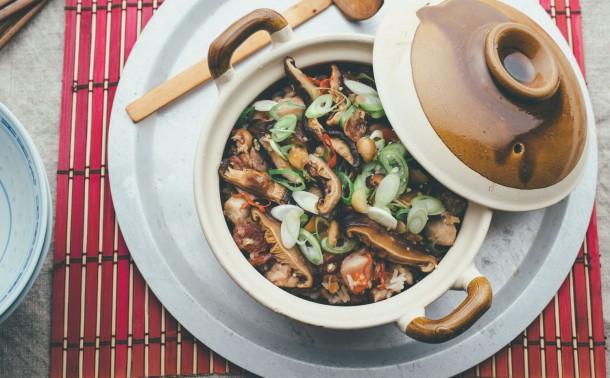 チキンとマカダミアの土鍋ご飯