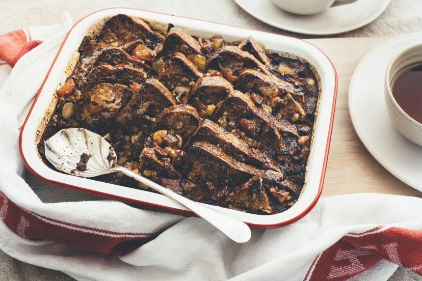 マカダミアバターを使ったブレッド&バタープディング、ジンジャーチョコレート味