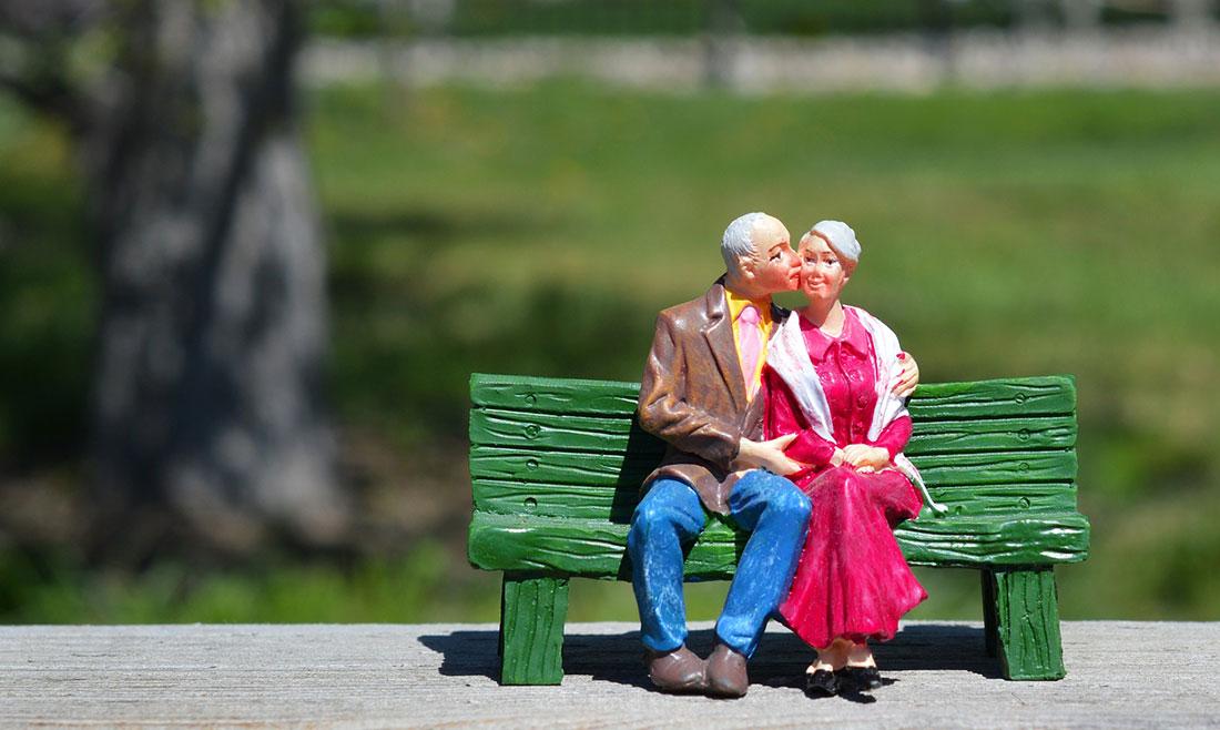 敬老の日のギフトにマカダミアを!マカダミアナッツは血糖値や動脈硬化が気になるシニア世代にもオススメ
